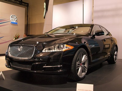 2010 Jaguar XJ with License plate D9FSVPN