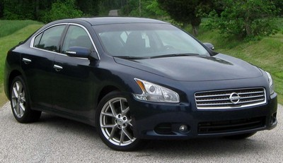 2009 Nissan Maxima with License plate DNDMC4
