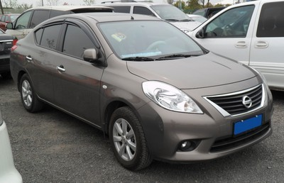 2012 Nissan Sunny with License plate XDT6